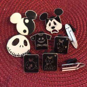 Disney Assorted black & White pins